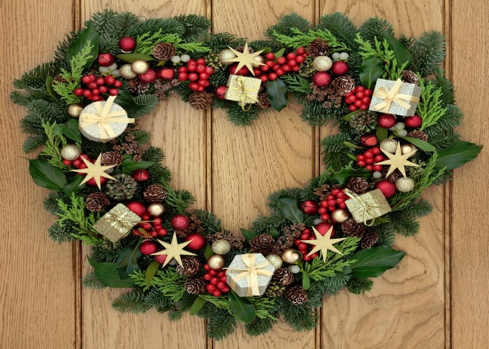 christmas-heart-wreath